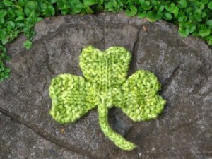 knitted shamrock_0