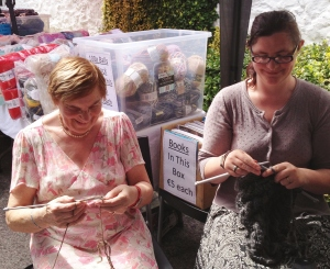 Breeda and Orela proving it's never too hot to knit
