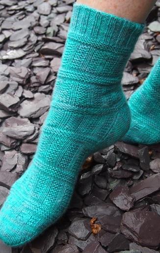 leftfootdaisy-smeatons-pier-socks