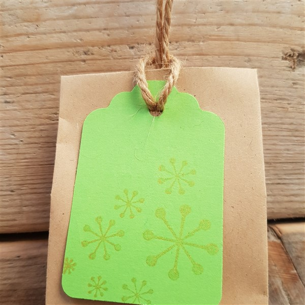 leftfootdaisy-twelve-days-christmas-attaching-label-three