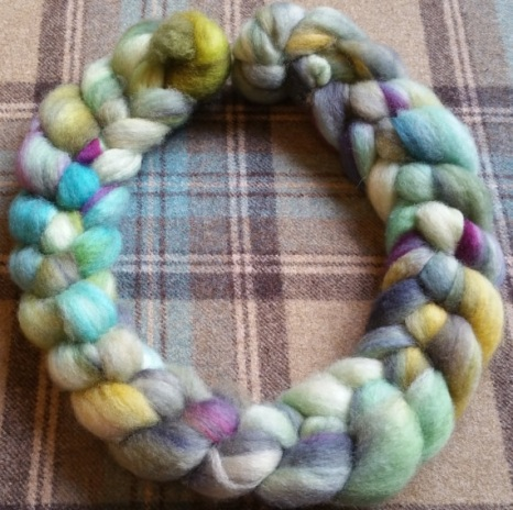 leftfootdaisy-Hand-dyed-Bluefaced-Leicester-BFL-top-fibre