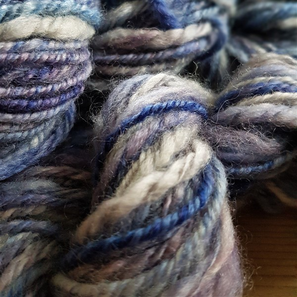 leftfootdaisy-bfl-yarn-close-up
