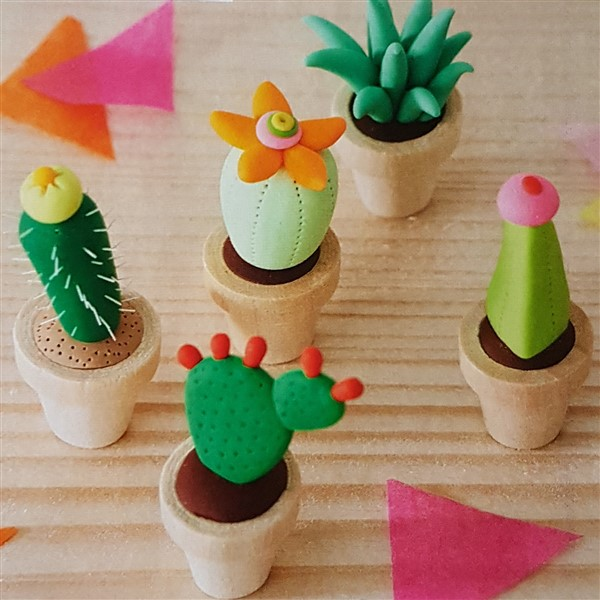 Leftfootdaisy-big-comic-relief-crafternoon-mini-cacti