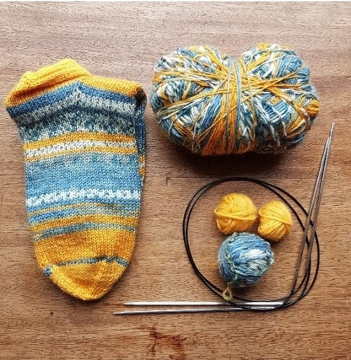 Leftfootdaisy-hayfever-sufferer-knitting-woes-sock-yarn