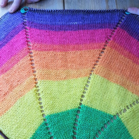 That Rainbow Pinwheel Baby Blanket – Confessions of a Fibre