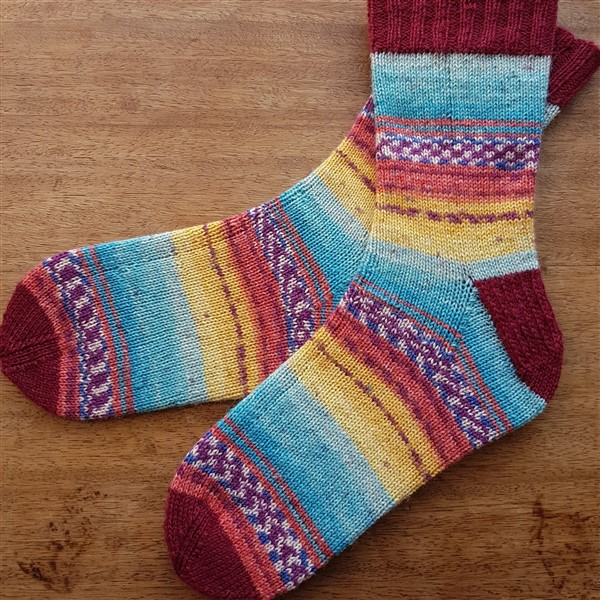 Leftfootdaisy-all-about-the-socks-correct-tension