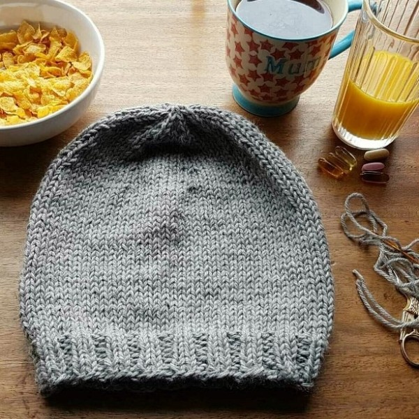 leftfootdaisy-reflections-on-a-knitted-christmas-part-3-the-girls-grey-birthday-hat
