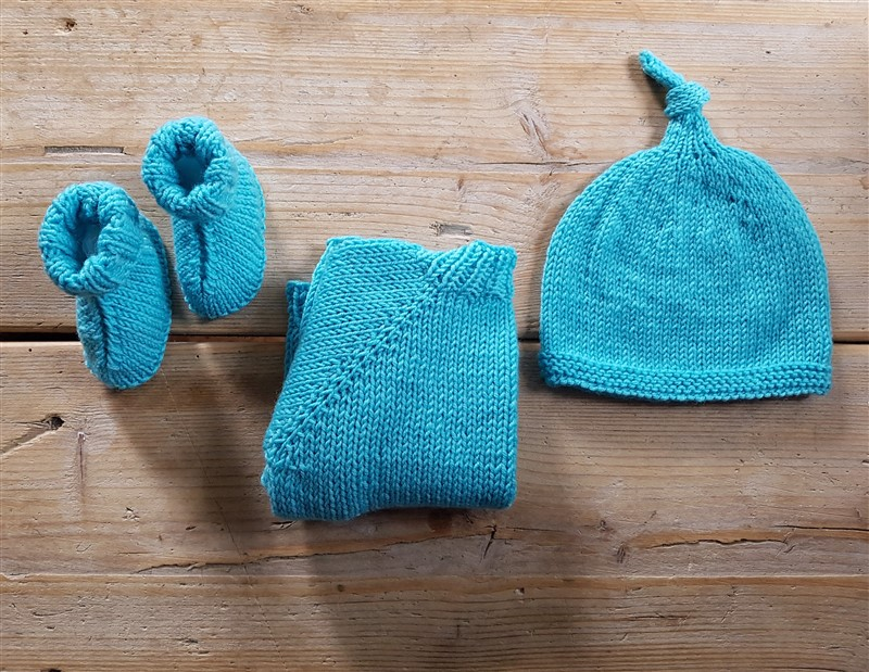 leftfootdaisy-knitting-for-little-people-baby-layette-featured-image