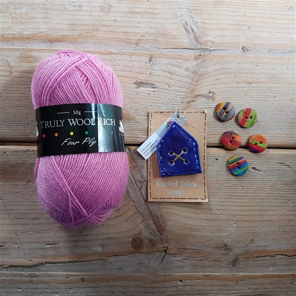 leftfootdaisy-Yarnfolk-Festival-of-Wool-2018-My-Haul-purchases-from-lighthouse-yarns