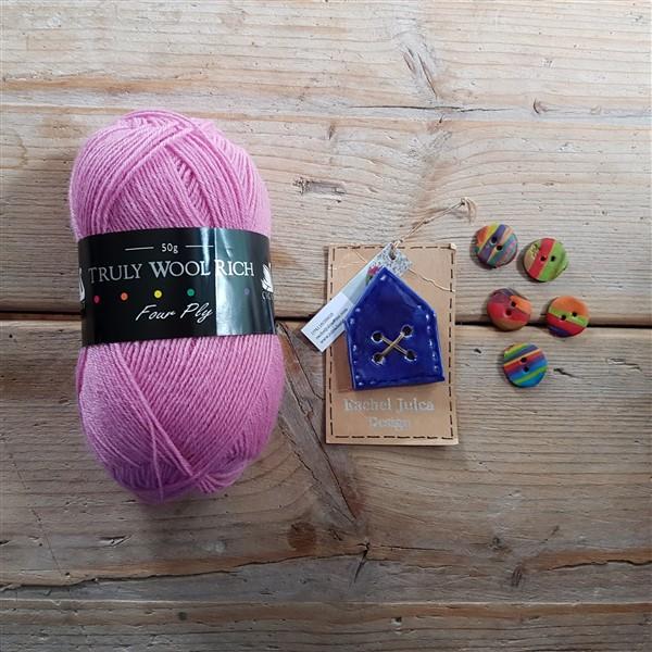 leftfootdaisy-Yarnfolk-Festival-of-Wool-2018-My-Haul-purchases-from-lighthouse-yarns