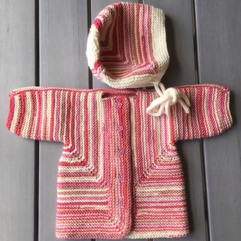 leftfootdaisy-i-want-to-knit-all-the-baby-things-possible-Baby-surprise-jacket-and-bonnet
