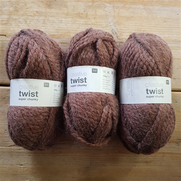 leftfootdaisy-restless-fibre-crafter-brown-super-chunky-yarn